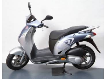 Motor Scooters on New And Used Scooters  Scooter Reviews  Everything Motor Scooters