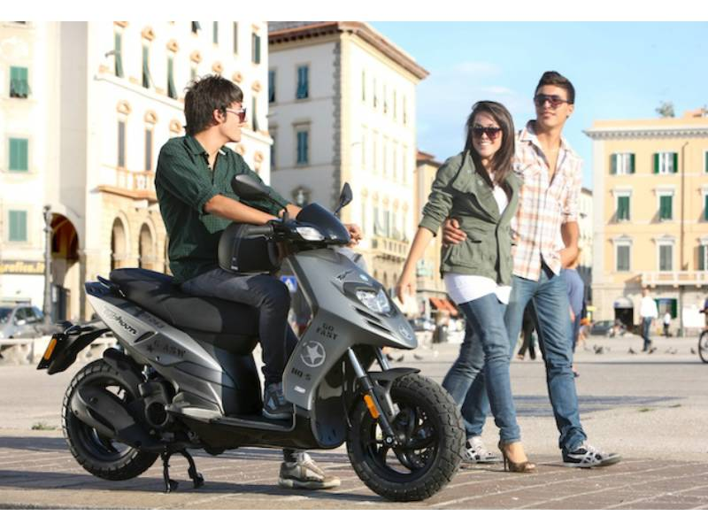 piaggio, typhoon 125 | scooter catalogue | scootersales
